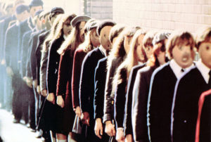 Children exhibiting mindless group conformity